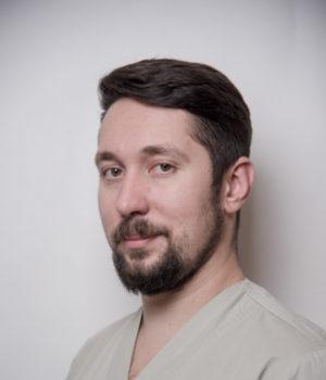 Добрынин Андрей Александрович - хирург-имплантолог