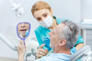 Что делать, если начали шататься зубы?