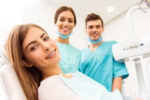 Восстановление зубной эмали методом пломбирования