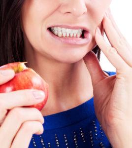 Почему развивается зубной флюс?