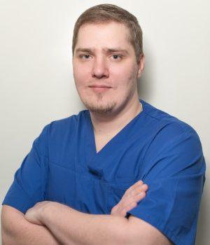 Юркин Дмитрий Игоревич хирург имплантолог стоматология на щелковской в Москве